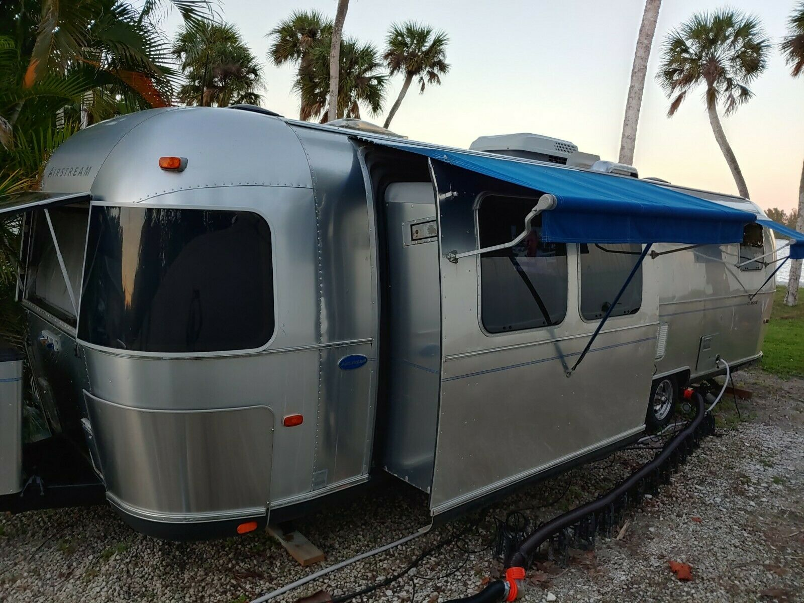 beautiful 2003 Airstream Classic trailer camper for sale