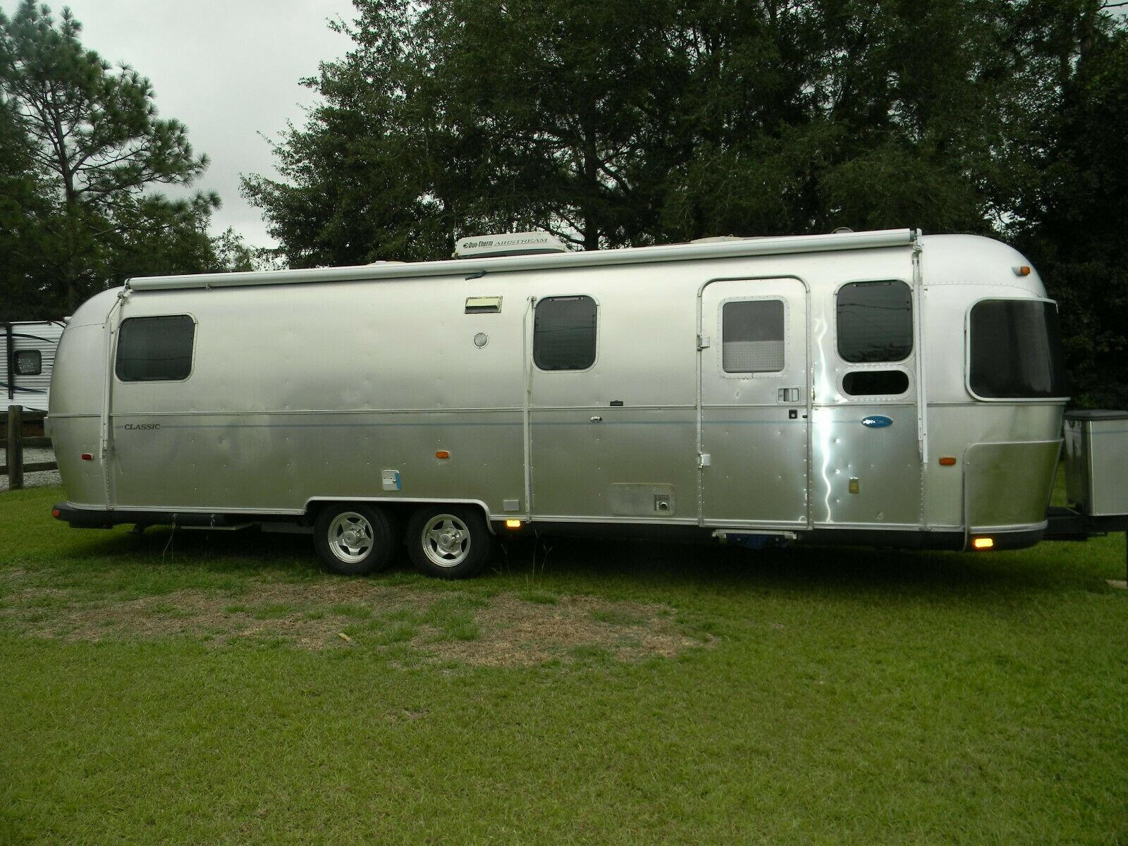 excellent 2003 Airstream trailer camper for sale