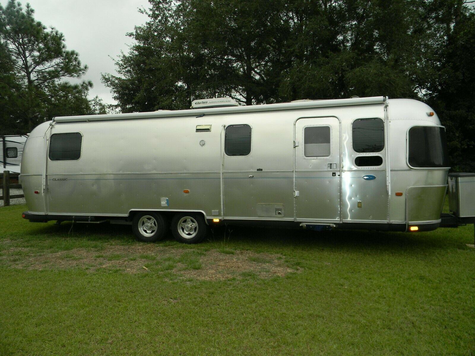 excellent 2003 Airstream trailer camper