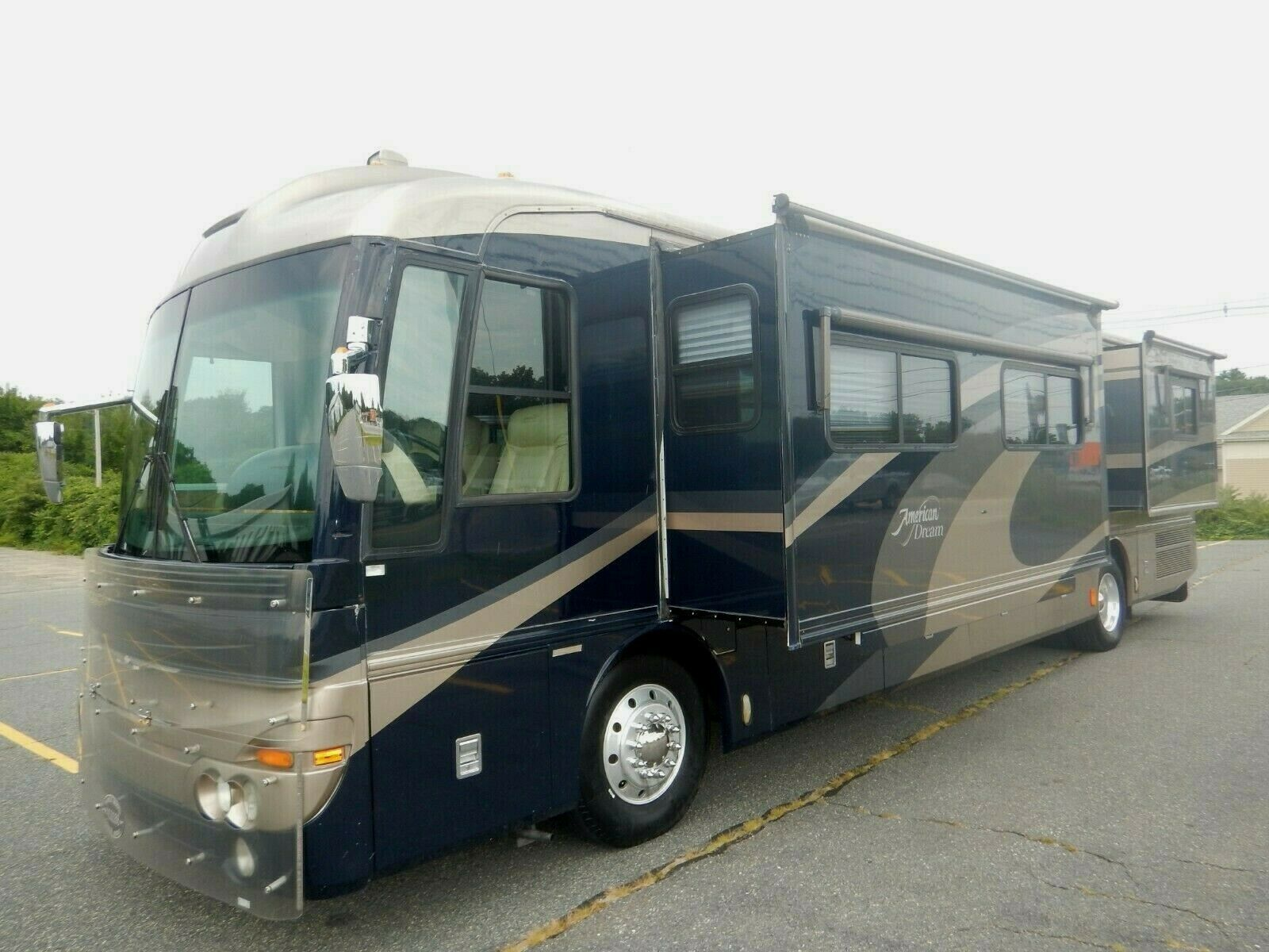 home on wheels 2002 Fleetwood American Dream 40M camper