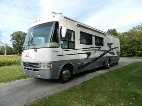 low miles 2004 Dolphin LX 36′ Motor Home camper for sale