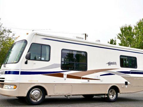low miles 2004 Fleetwood 26Q camper for sale