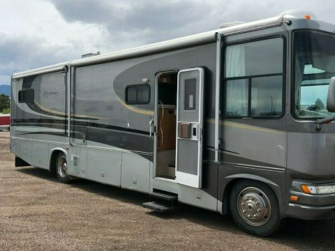 low miles 2004 Gulf Stream Sun Voyager camper for sale