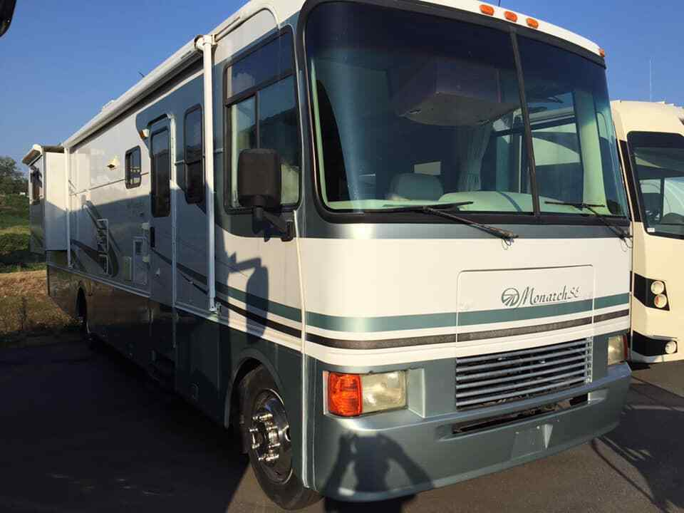 needs TLC 2002 Monaco Monarch camper