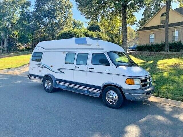 well equipped 2002 Dodge Xplorer 230xl Wide Body camper for sale