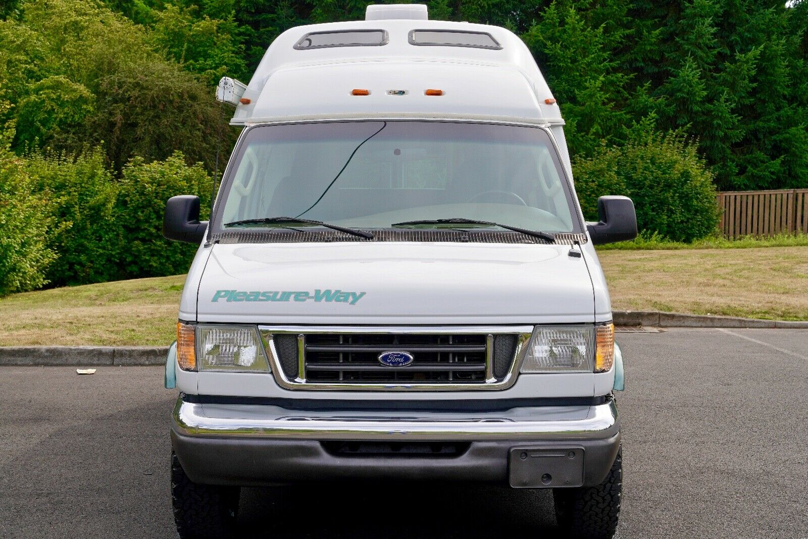 well equipped 2004 Ford Pleasure Way Excel TS camper