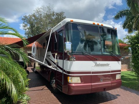 well maintained 2004 Holiday Rambler 38PDD camper for sale