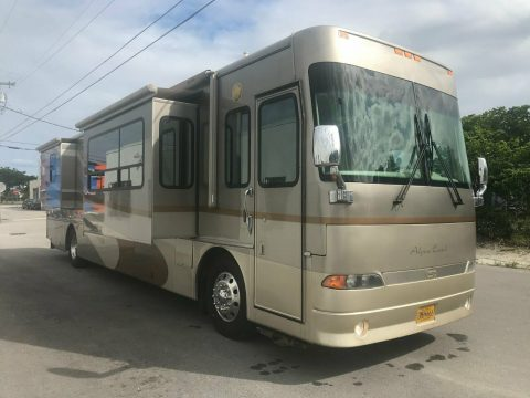awesome 2006 Alpine Coach camper for sale