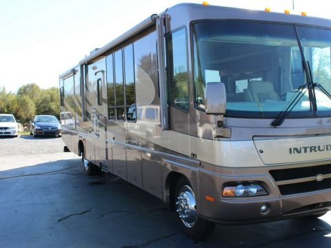 low miles 2005 Damon Intruder 391 camper for sale