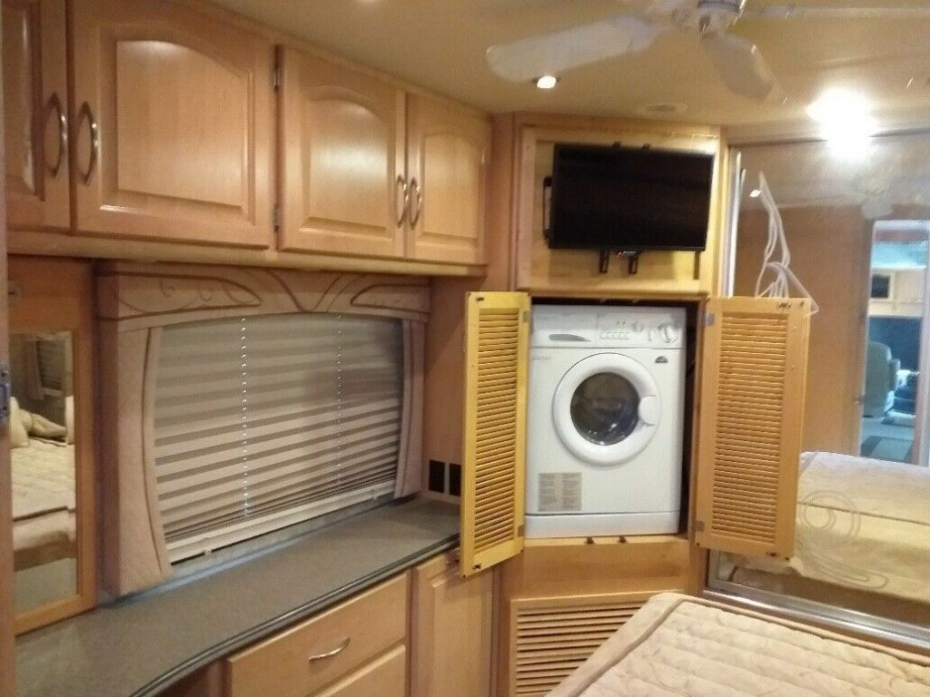 minor issues 2006 National TRADEWINDS camper