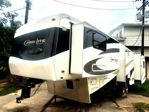 comfortable 2007 Carriage Lite camper for sale