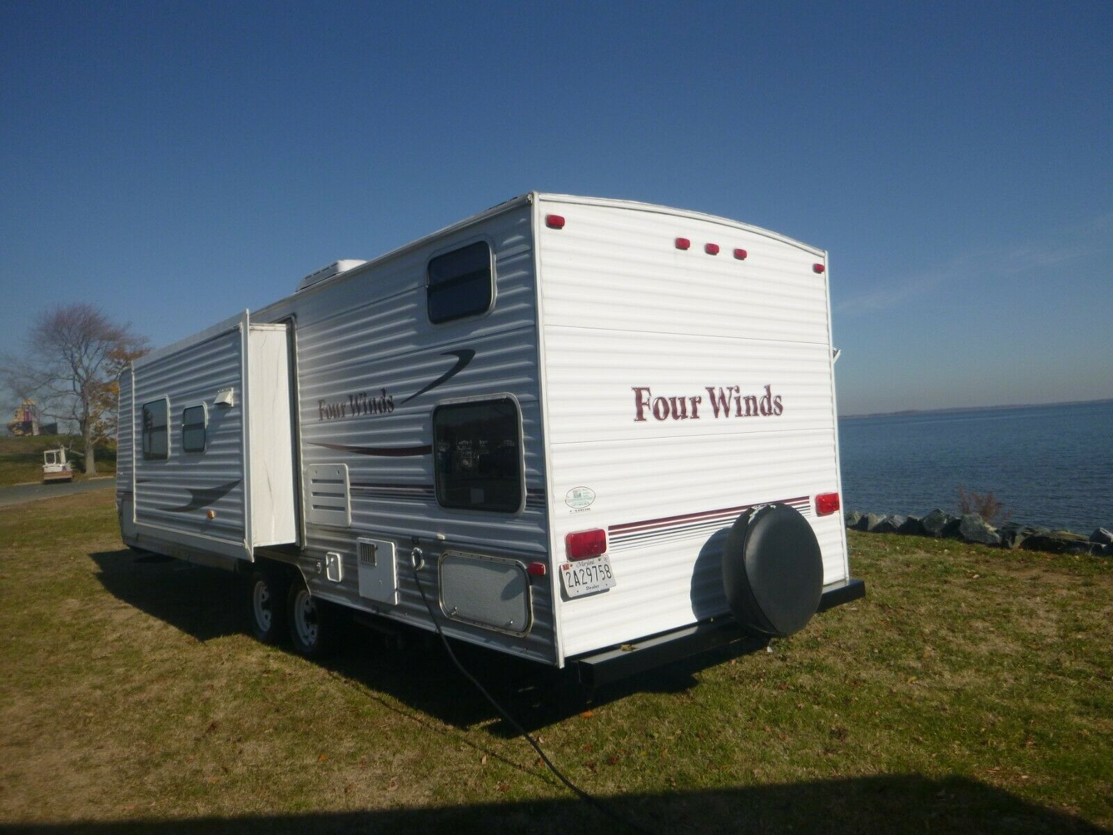 great looking 2007 Four Winds camper