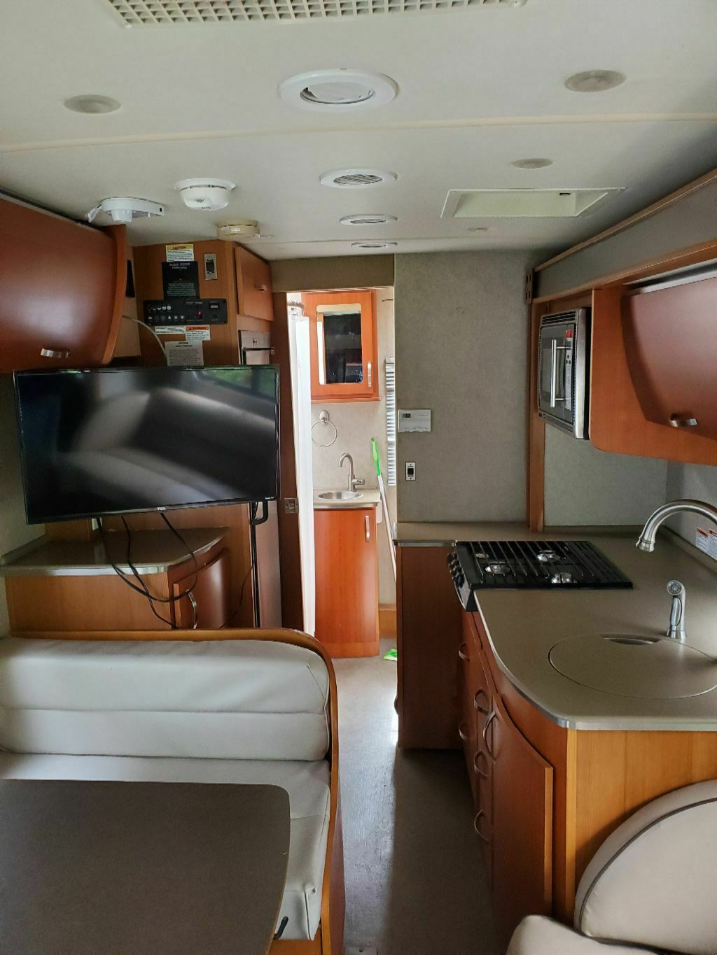 great shape 2008 Fleetwood Pulse RV camper