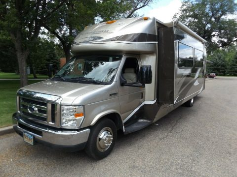 great shape 2008 Four Winds CHATEAU camper for sale