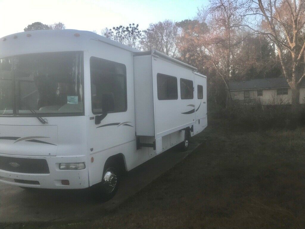 powerful 2007 Winnebago Vista 33T camper