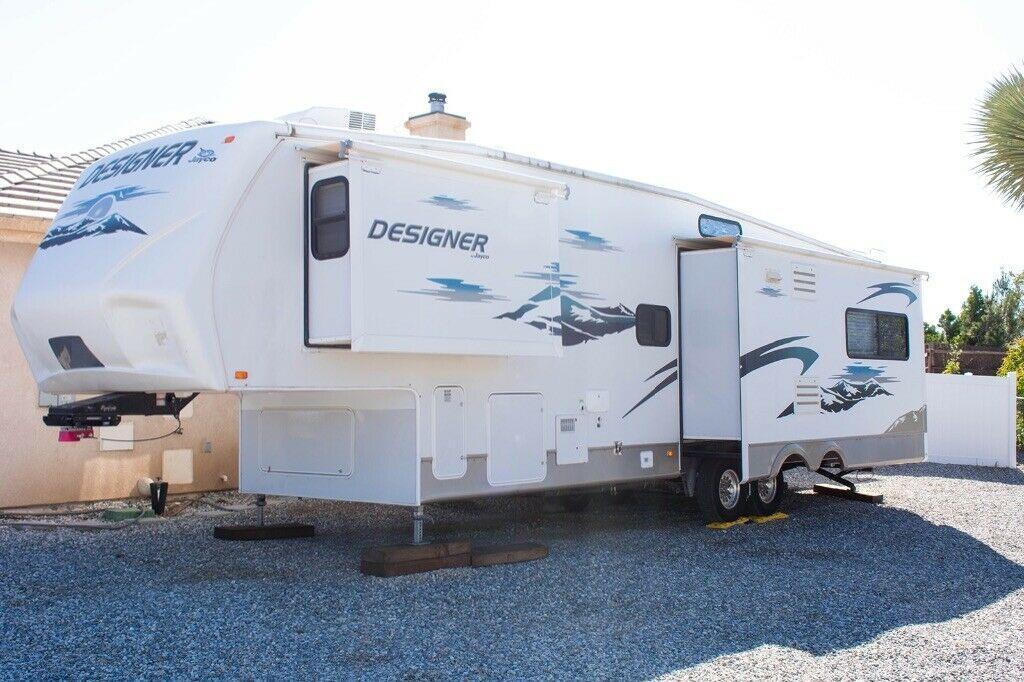 very clean 2008 Jayco camper