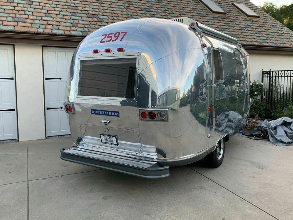 gorgeous 1969 Airstream camper