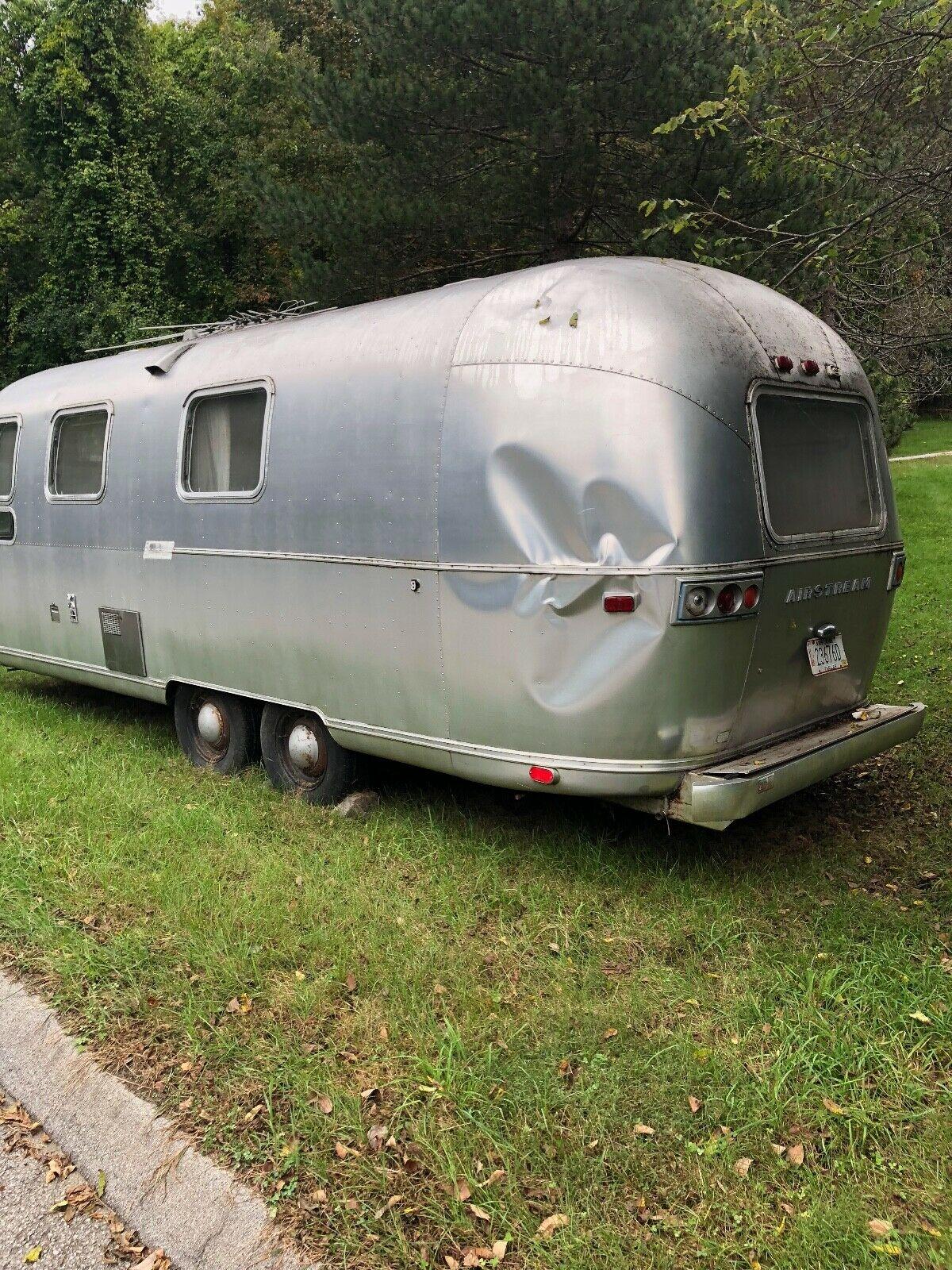 needs restoration 1973 Airstream Tradewind camper
