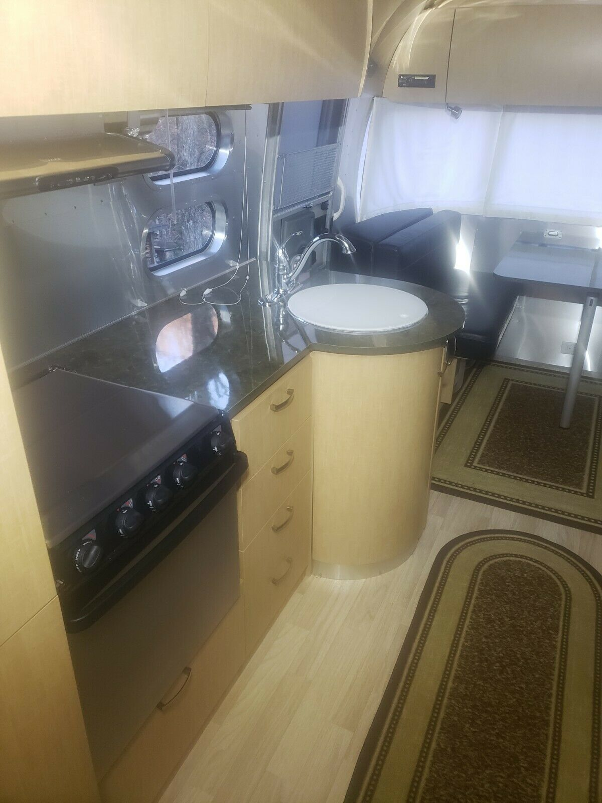 all the bells and whistles 2013 Airstream 27ft Flying Cloud camper