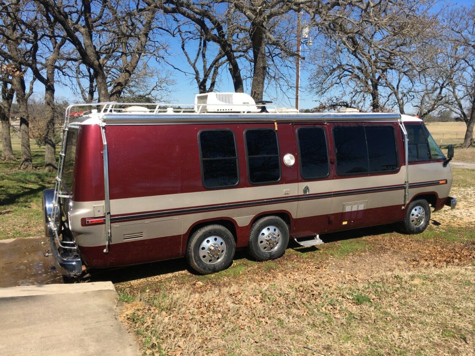 custom paint 1977 GMC Royale camper