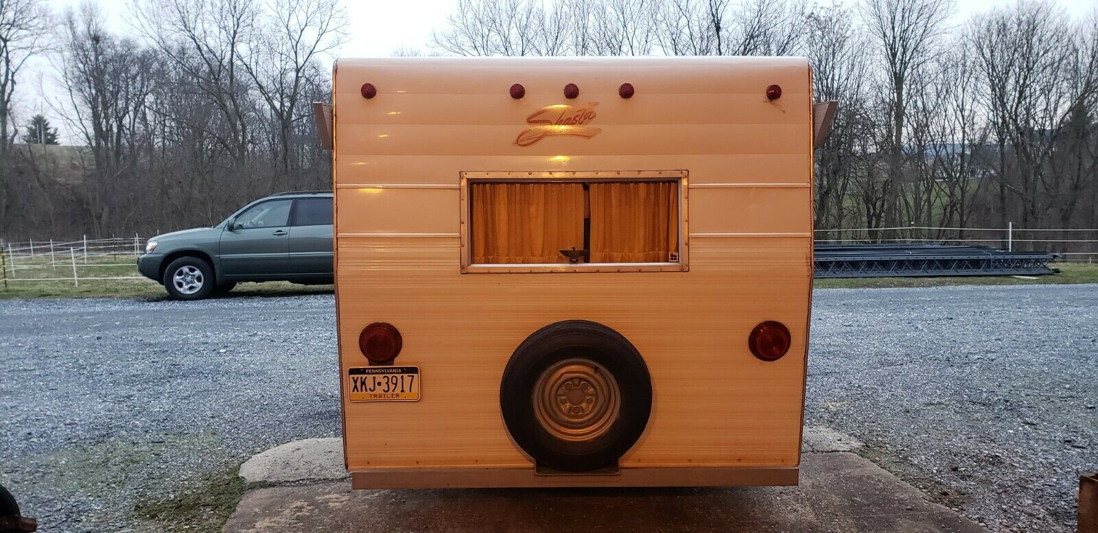 great shape 1972 Shasta Compact camper