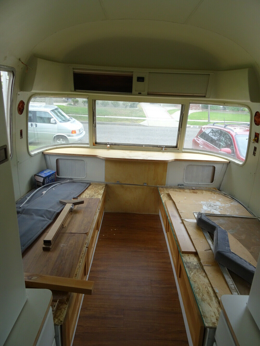 needs TLC 1982 Airstream 310 camper