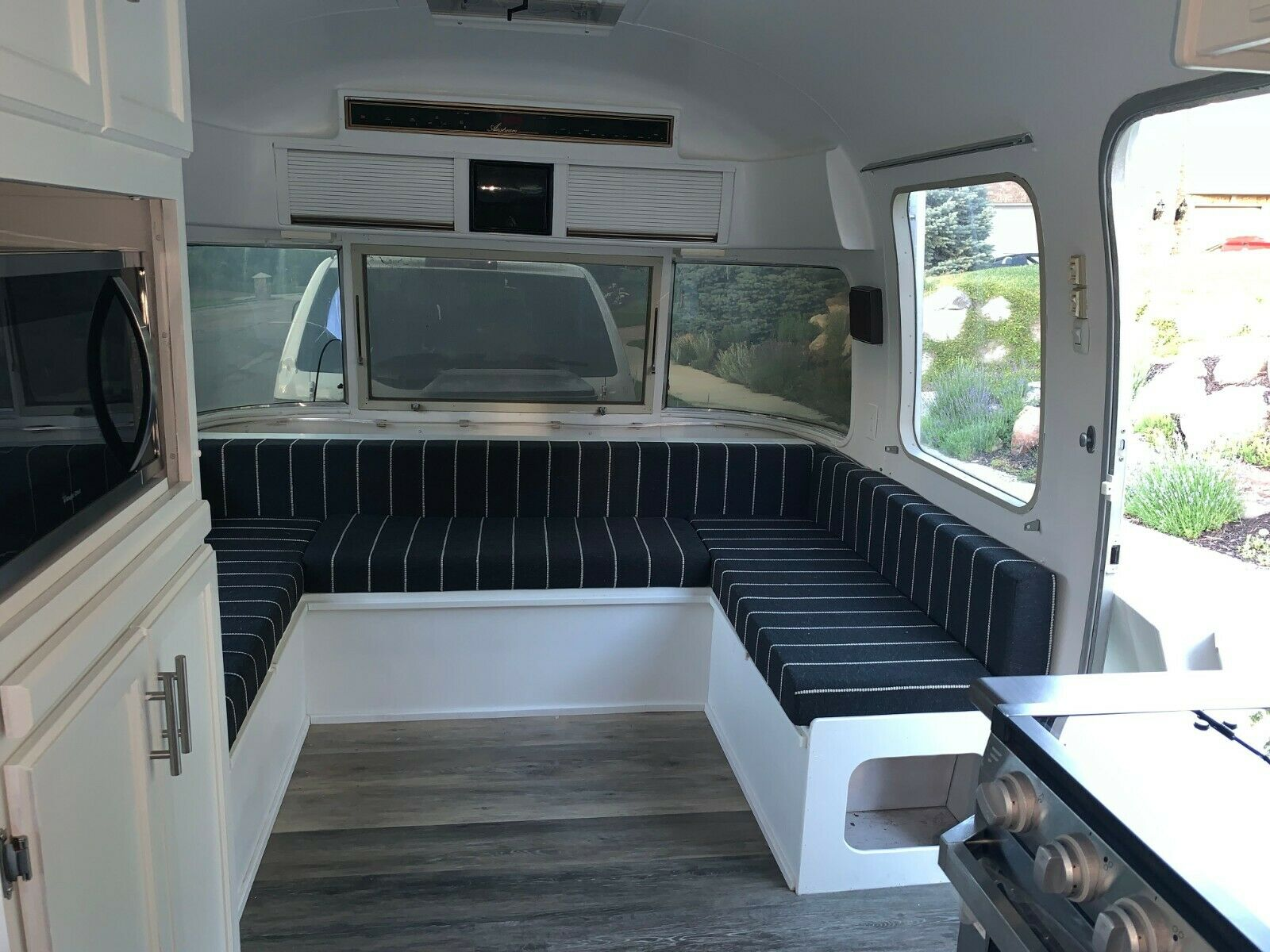 new equipment 1987 Airstream 34 Excella Triple Axle camper