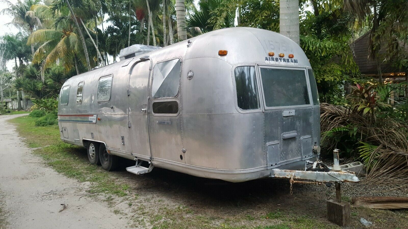 solid 1978 Airstream SOVEREIGN camper