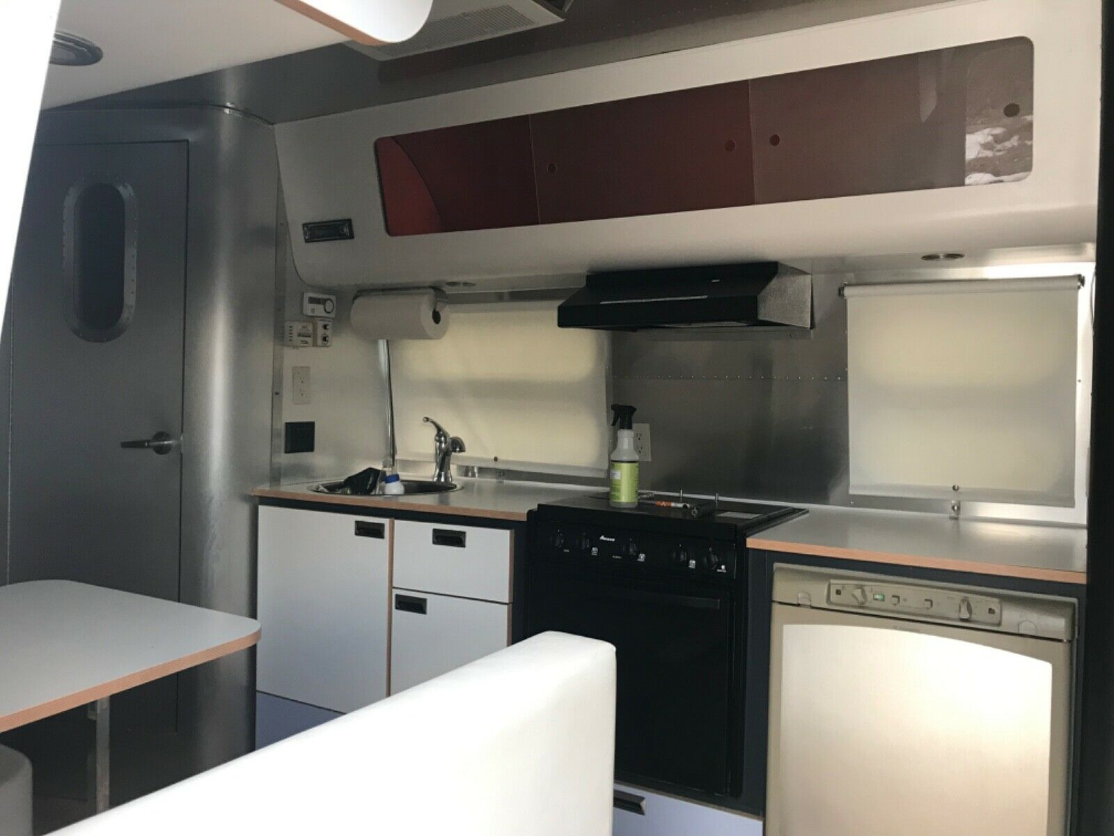 well maintained 2003 Airstream International camper