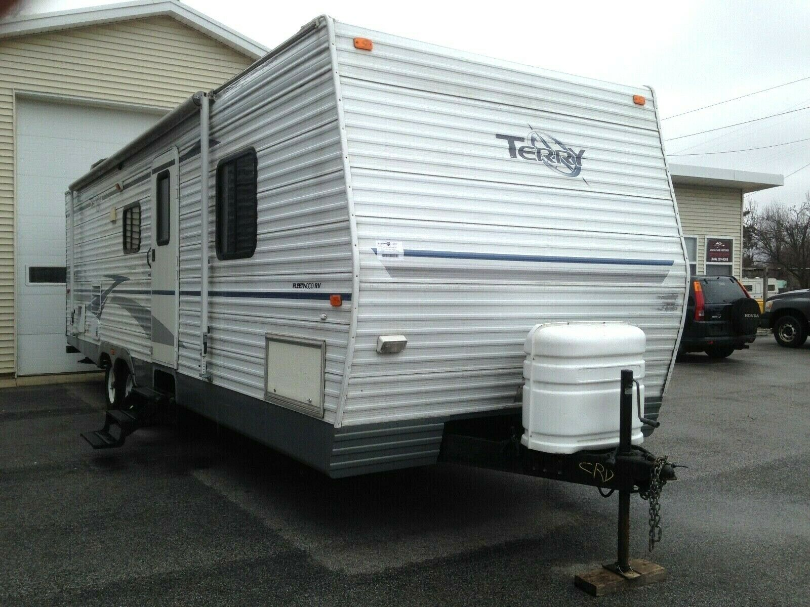 needs TLC 2004 Fleetwood Terry 300 FQS camper for sale