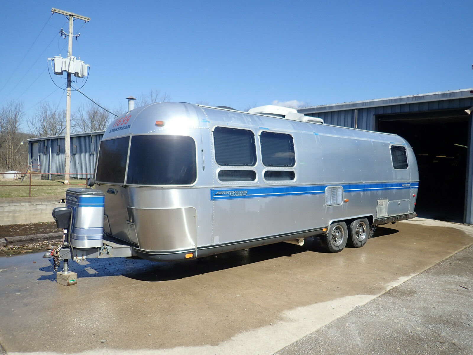 ready for camping 1994 Airstream Excella camper for sale