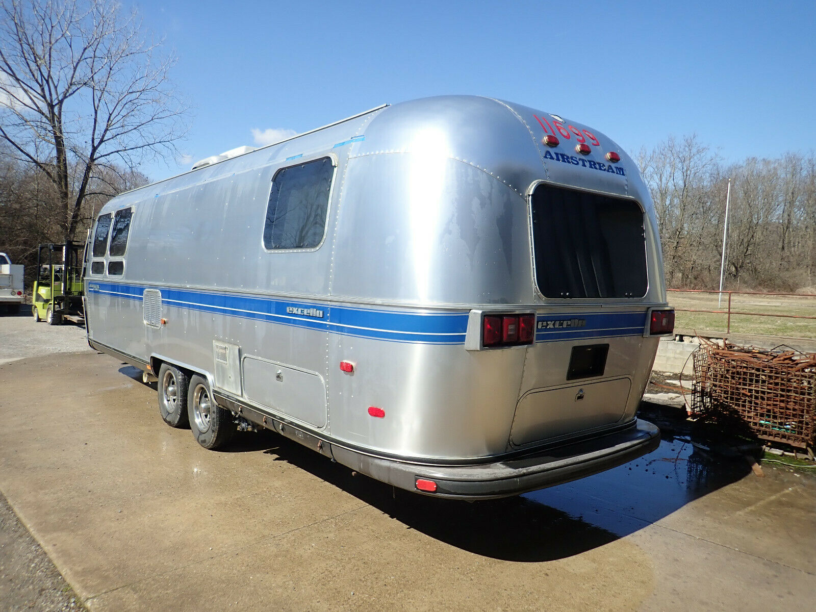 ready for camping 1994 Airstream Excella camper