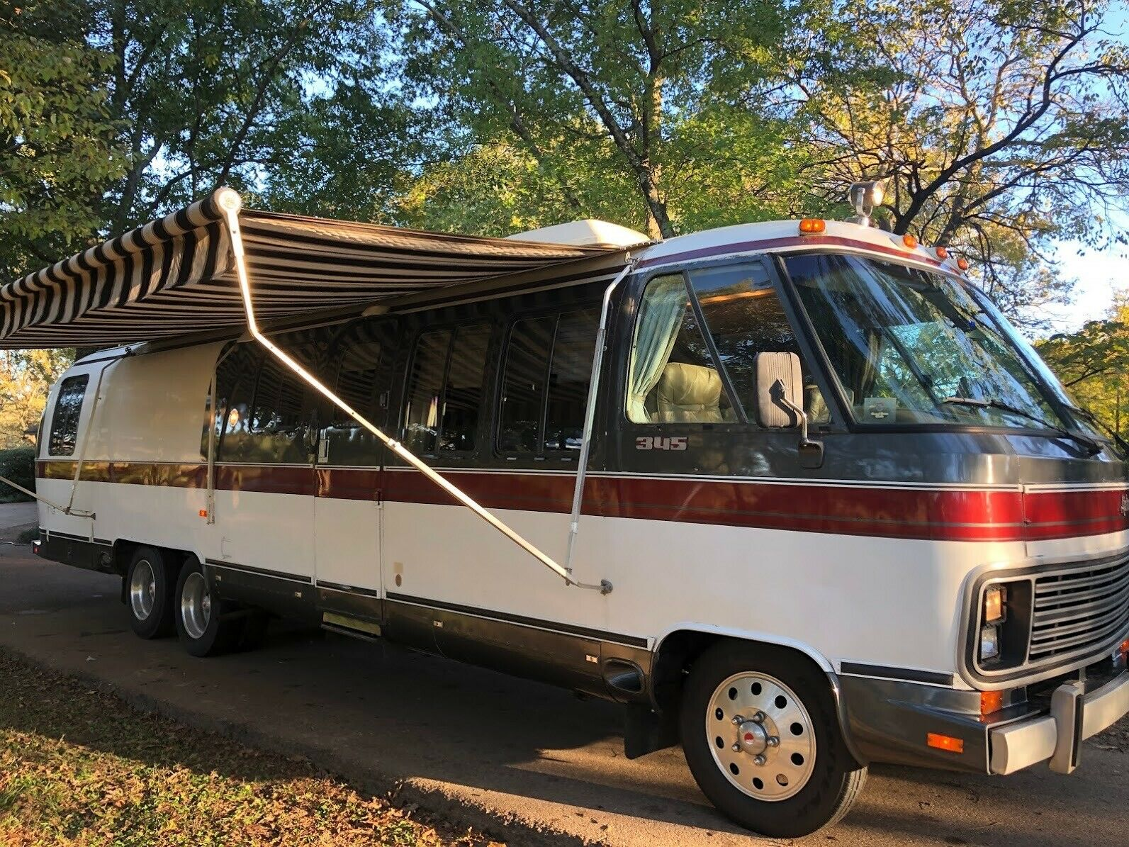 beautiful 1985 Airstream 345 Classic camper for sale