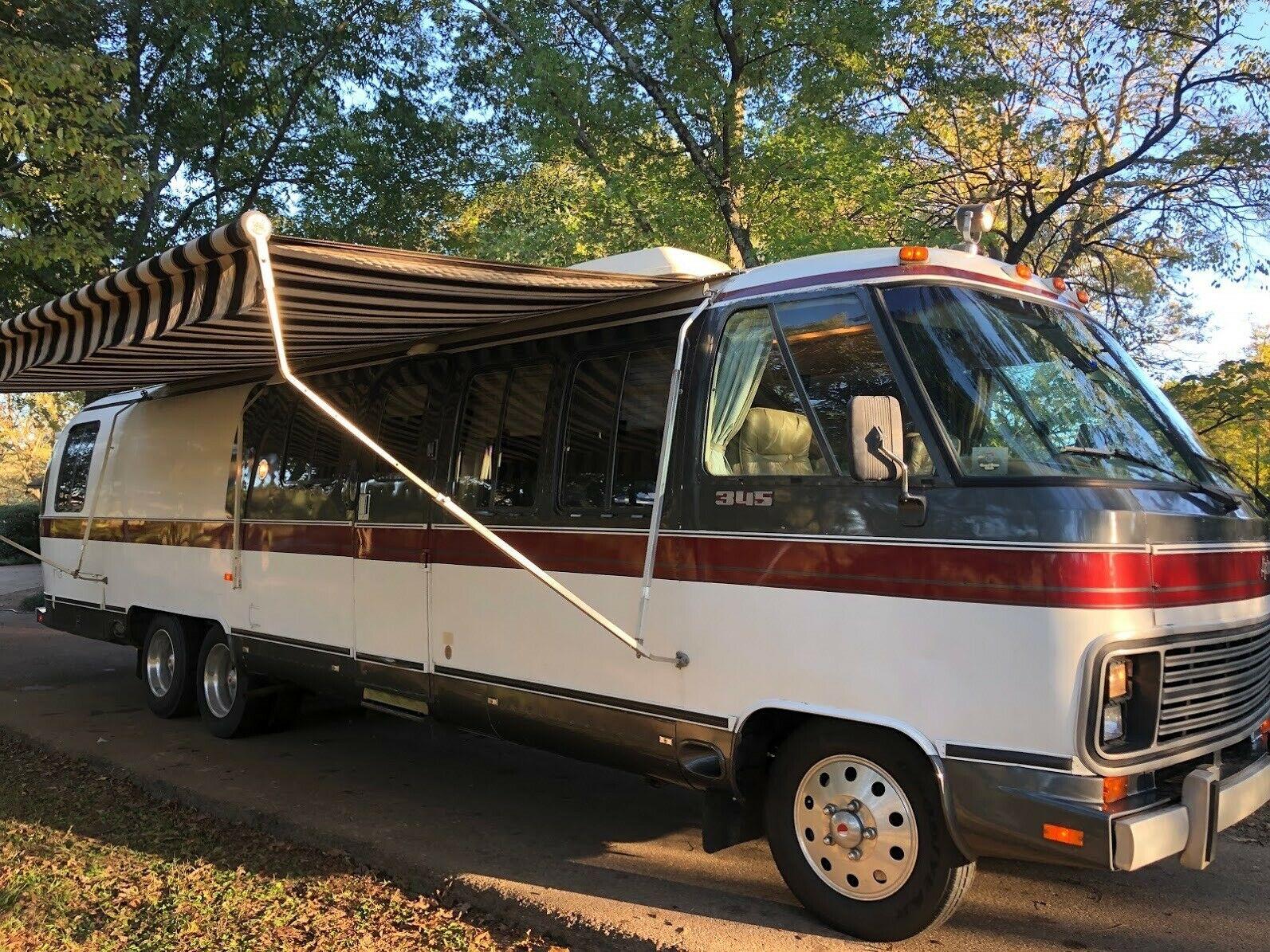 beautiful 1985 Airstream 345 Classic camper