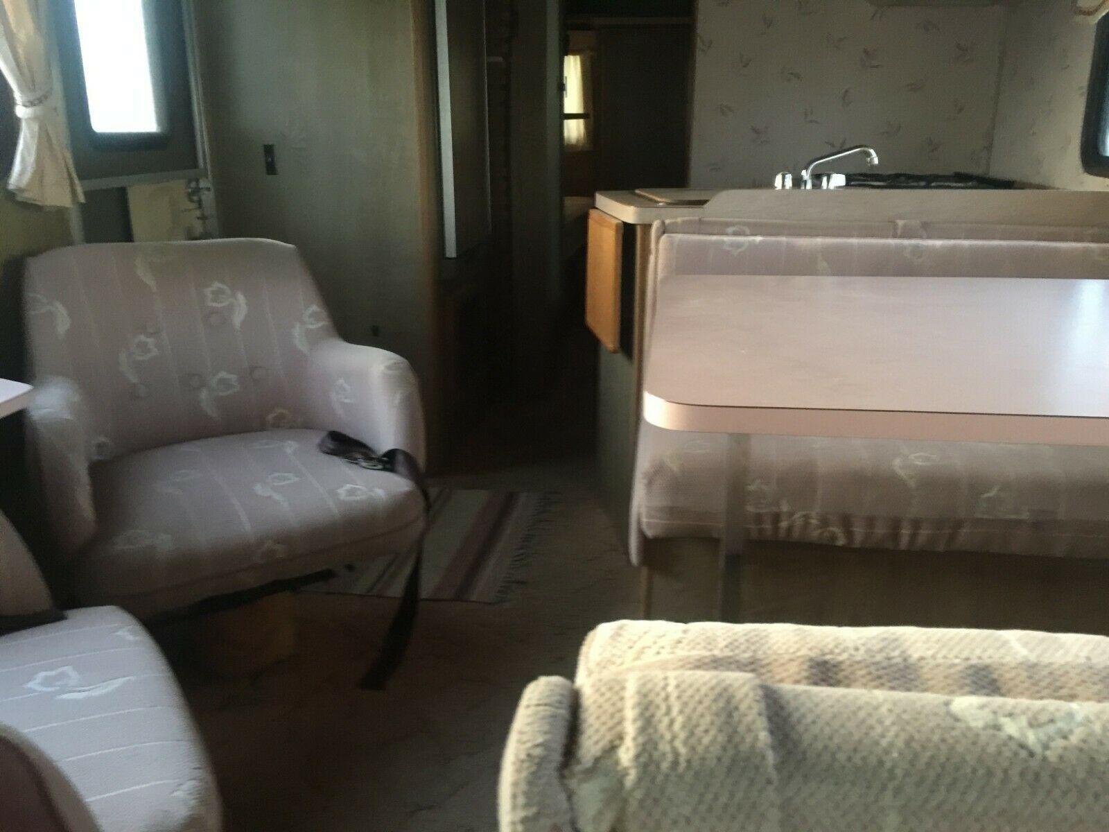 needs TLC 1988 Fleetwood E350 camper