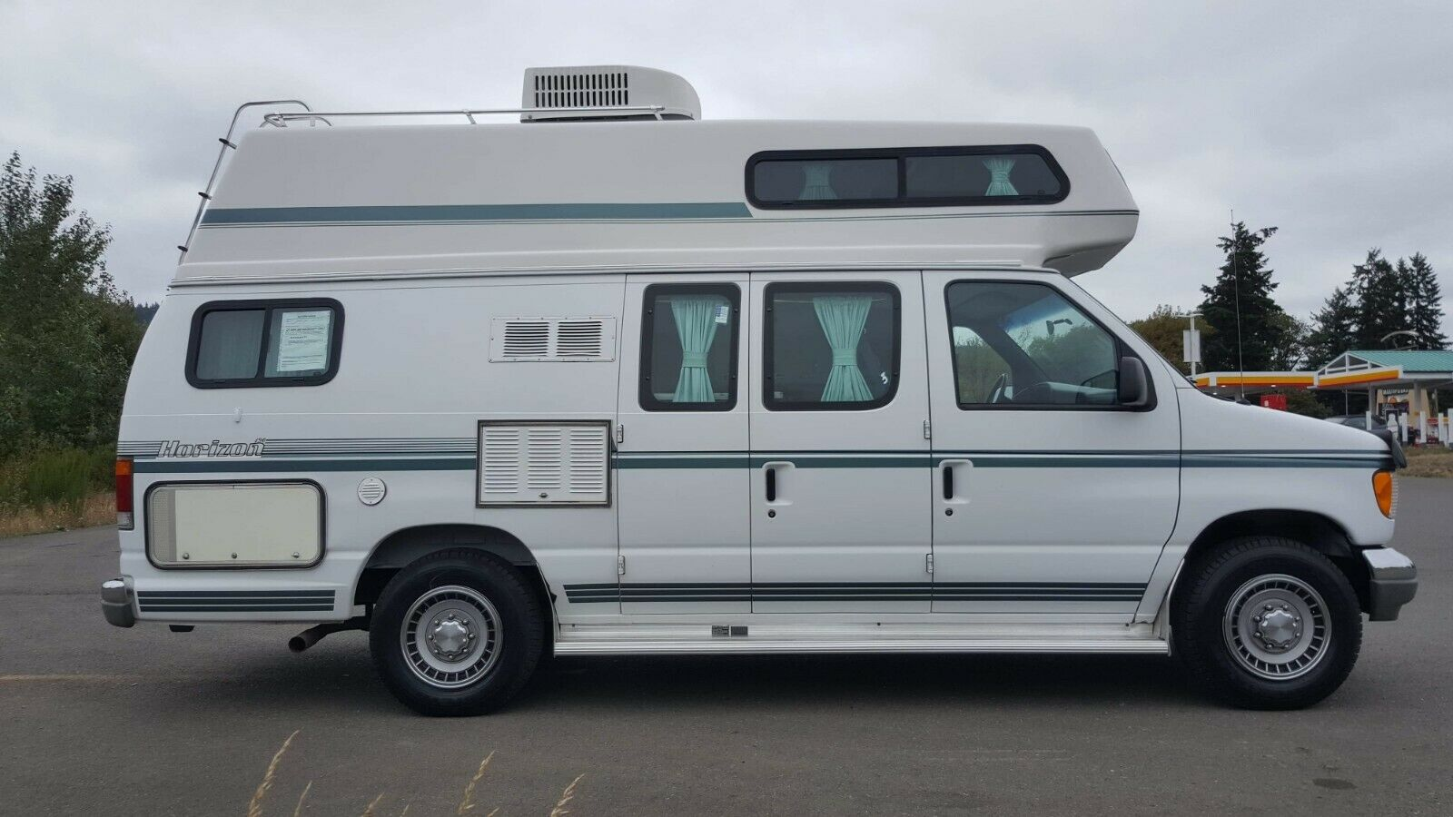 ready for adventures 1995 Ford Horizon 190 camper