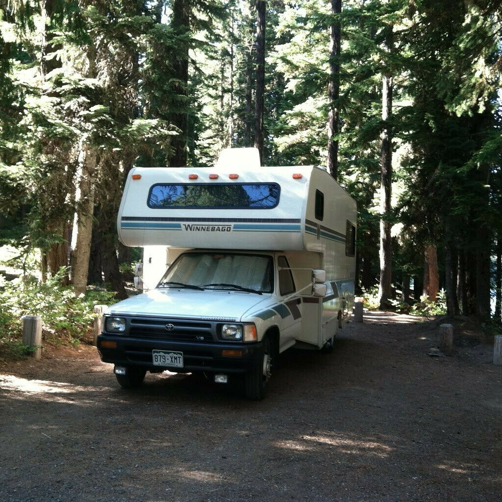 well maintained 1993 Winnebago camper