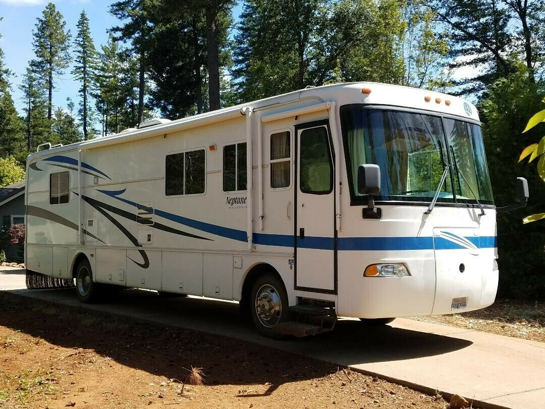 diesel pusher 2002 Holiday Rambler Neptune camper