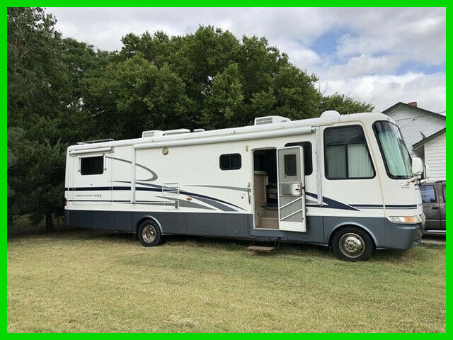 low miles 2001 Newmar Mountain Aire camper for sale