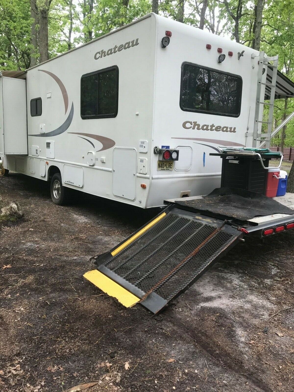 toy hauler 2002 Four Winds Chateau camper